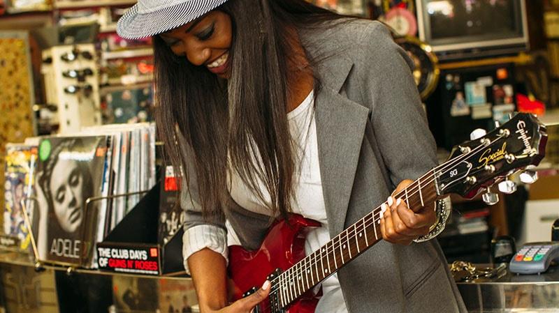 Aprender tocar violão e qualidade de vida.