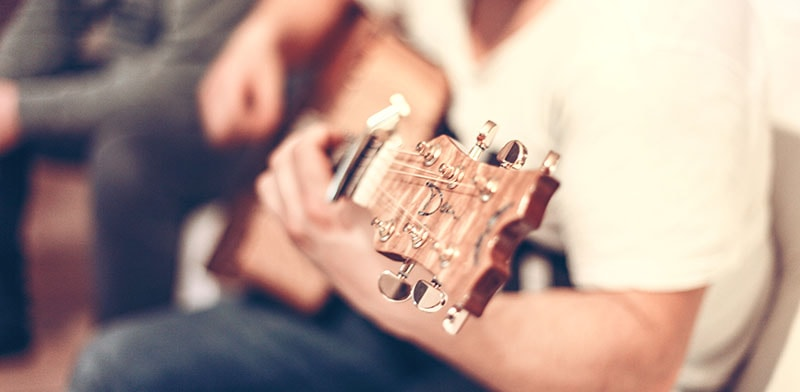 Como limpar o violão - Cuidados fundamentais.