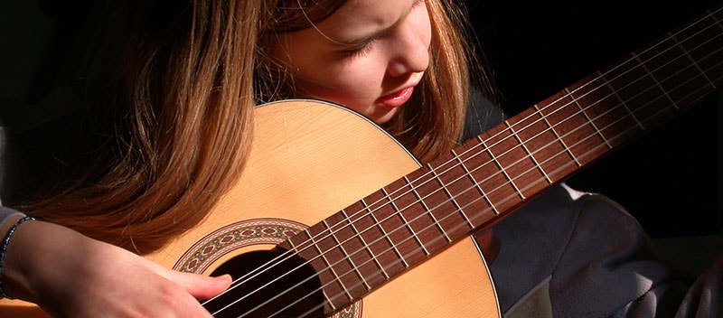 Aprender violão é para jovens?
